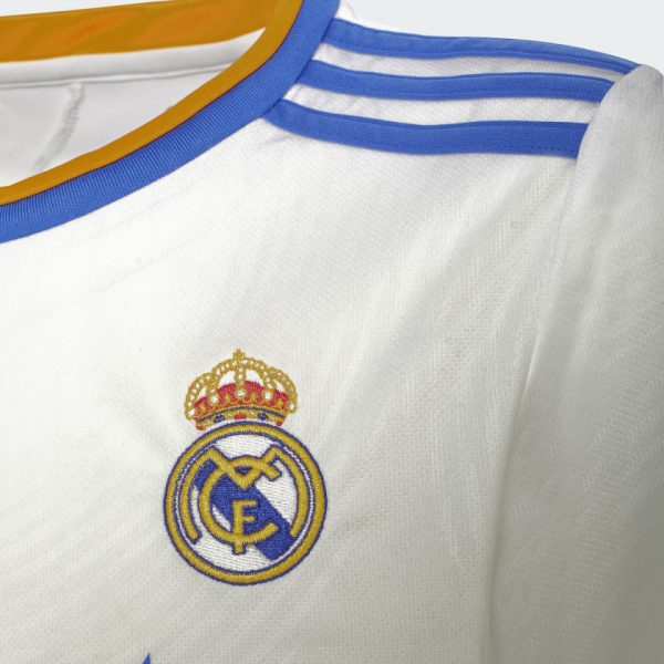 image of Real Madrid home jersey crest